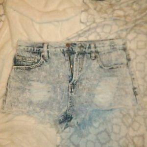 EUC Forever 21 High waisted Acid washed shorts 26
